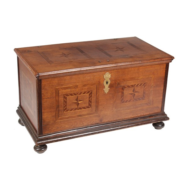 19th C Rosewood And Mahogany Star Blanket Chest Vintique